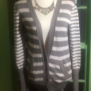 American Eagle Outfitters Grey/ White Cardigan (M)